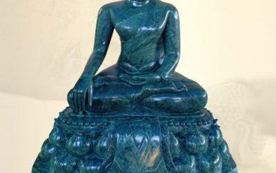 รับแกะสลักหินหินพระพุทธรูป โดยทีมงาน วันดีพุทธบูชา